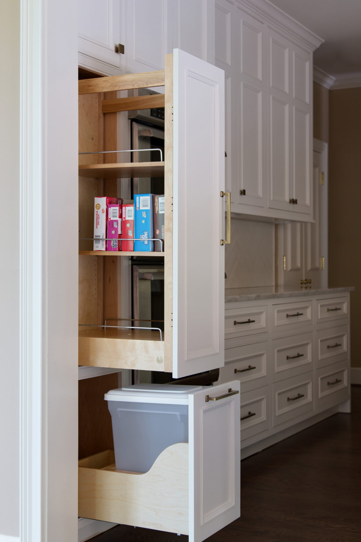 after-kitchen-pull-out-pantry